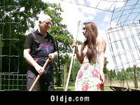 Countryside cutie gives slit to her old neighbour