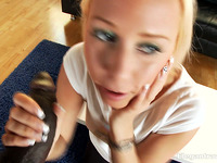 Hard wang servincing skills from insatiable blond beauty Carla Cox