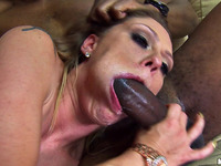 Barefaced maid Scarlett Wild bounces on hard pipe