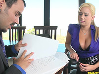 Slutty blond perfection Mariah Madysinn gets rammed with fun