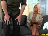 Enjoyable fuck for a worshipped blond Gianna Capone