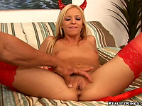 Overwhelming gal Eden Adams enjoys unfathomable tang group-sex