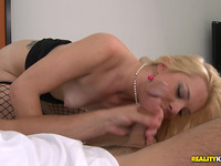 Dazzling bombshell Missy Mathers cums many times