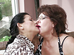 Three aged lesbos have some serious fun