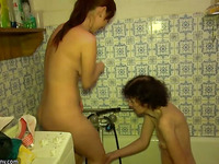 Granny and Legal Age Teenager bathe in the tub